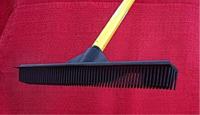 the incredible Dutch Rubber Broom